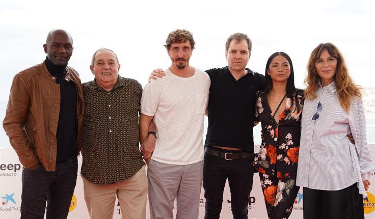 El descenso escabroso hacia 'El Hoyo' y 'Luz', dos brillantes debuts a competición oficial en Sitges