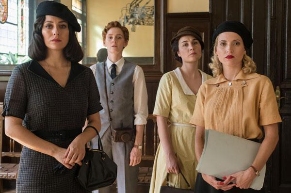 Ana Fernández, Blanca Suárez y Nadia de Santiago nos presentan la última temporada de 'Las Chicas del Cable'