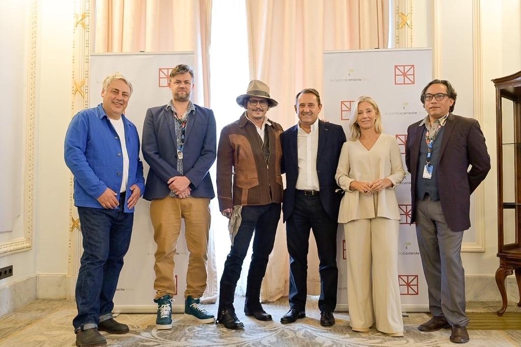 Johnny Depp lanza la compañía europea de producción 'IN.2 Film'